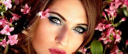 Comment maquiller vos yeux bleus, verts, ou marrons ? Elissance vous dis tout !